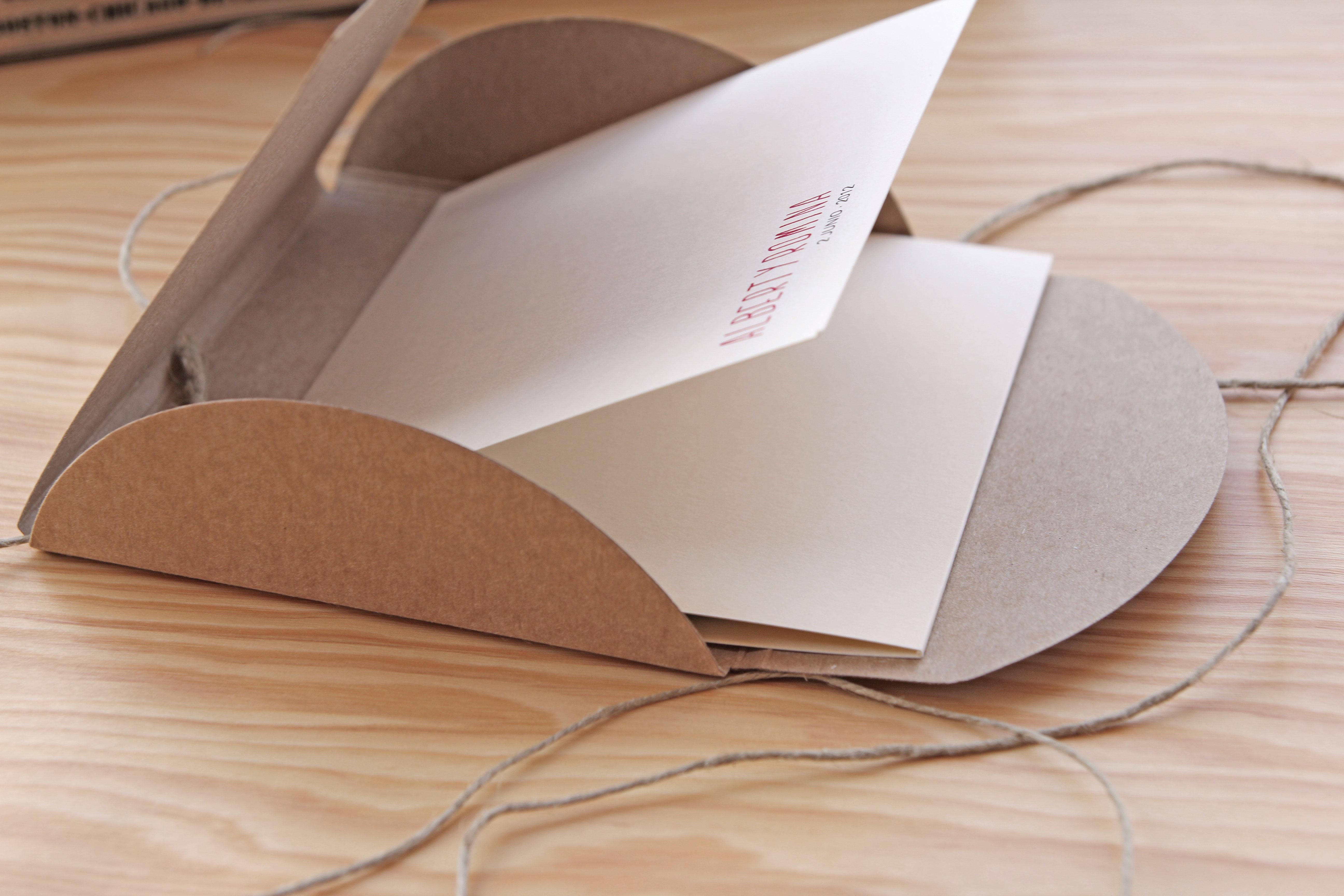 Invitaciones de boda que cuentan historias - muymolon