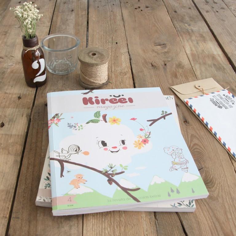 Kireei magazine 4, un plazano para leer bajo el sol.
