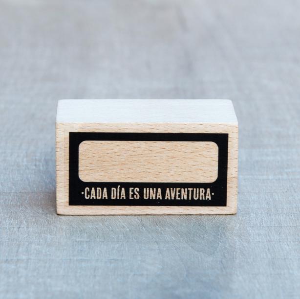 mrwonderfulshop_sello_cada_dia_es_una_aventura_01