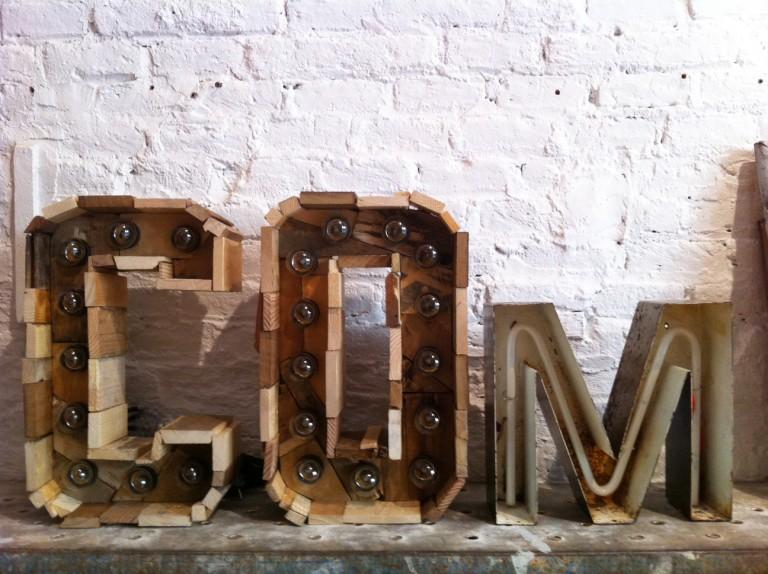 Si te gustan las letras vintage no puedes perderte este post, The Grokstore.