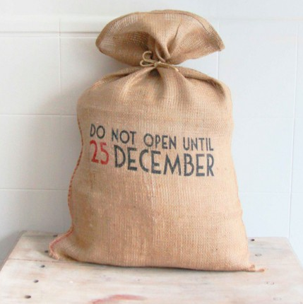 mrwonderfulshop_saco_do_not_until_25_december