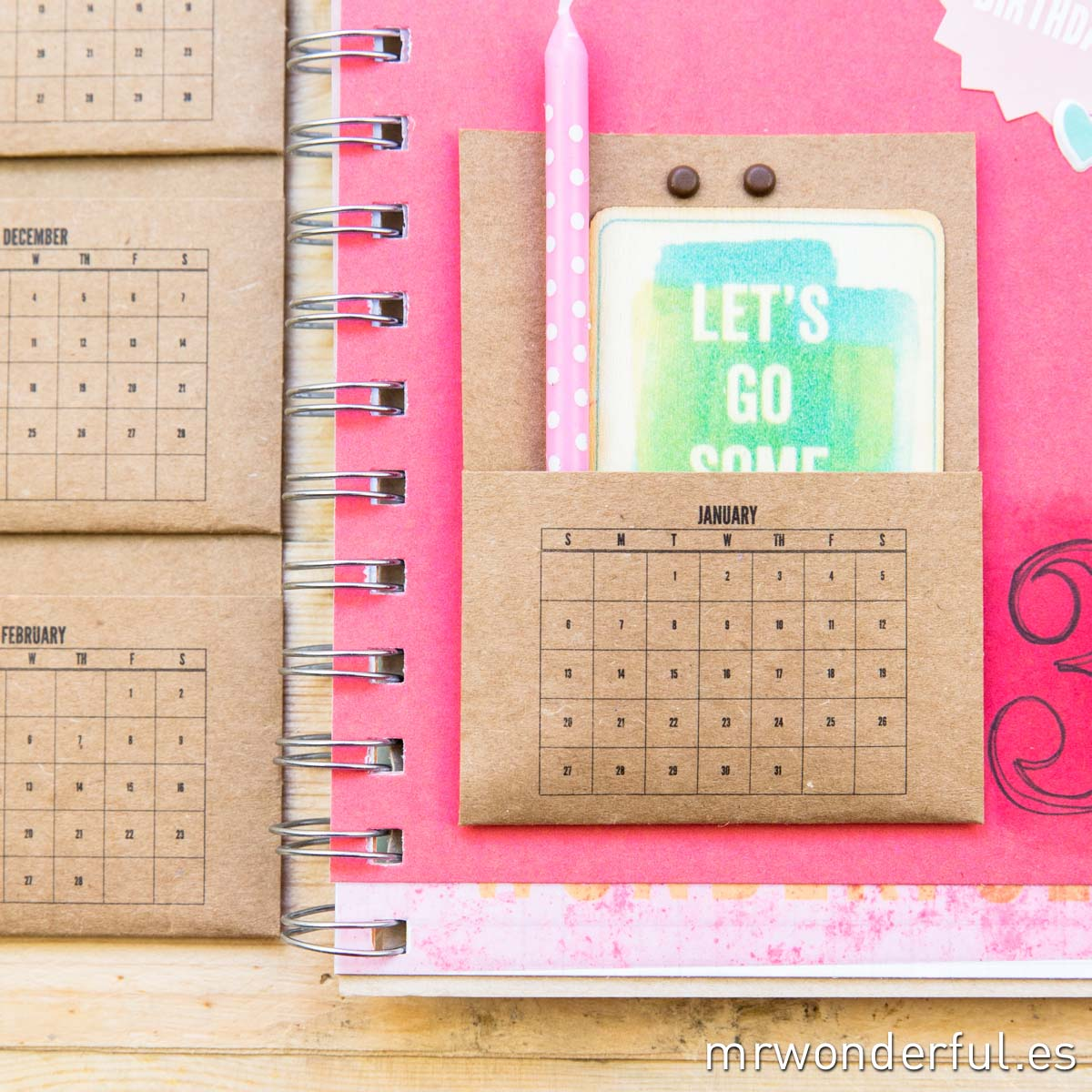 mrwonderfulshop_331210_bolsillo_con_calendario_en_color_kraft_04