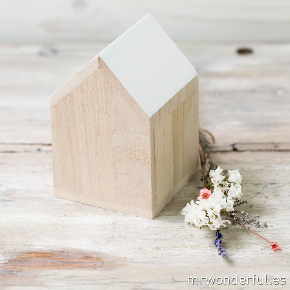 509056_casa-madera_pequena-1