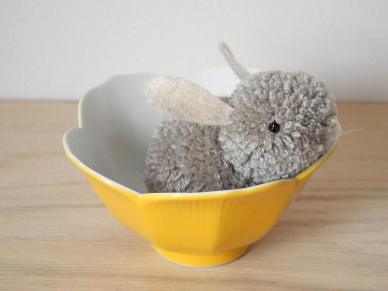Tutorial – Como hacer un conejito de peluche con pompones