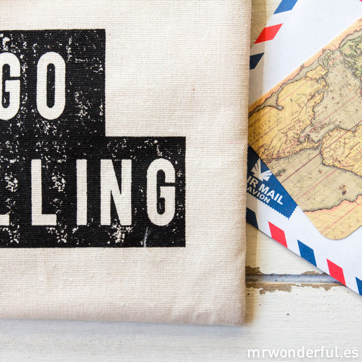 mrwonderful_LS0230_2_Neceser-tela-cremallera_lets-go-travelling-3