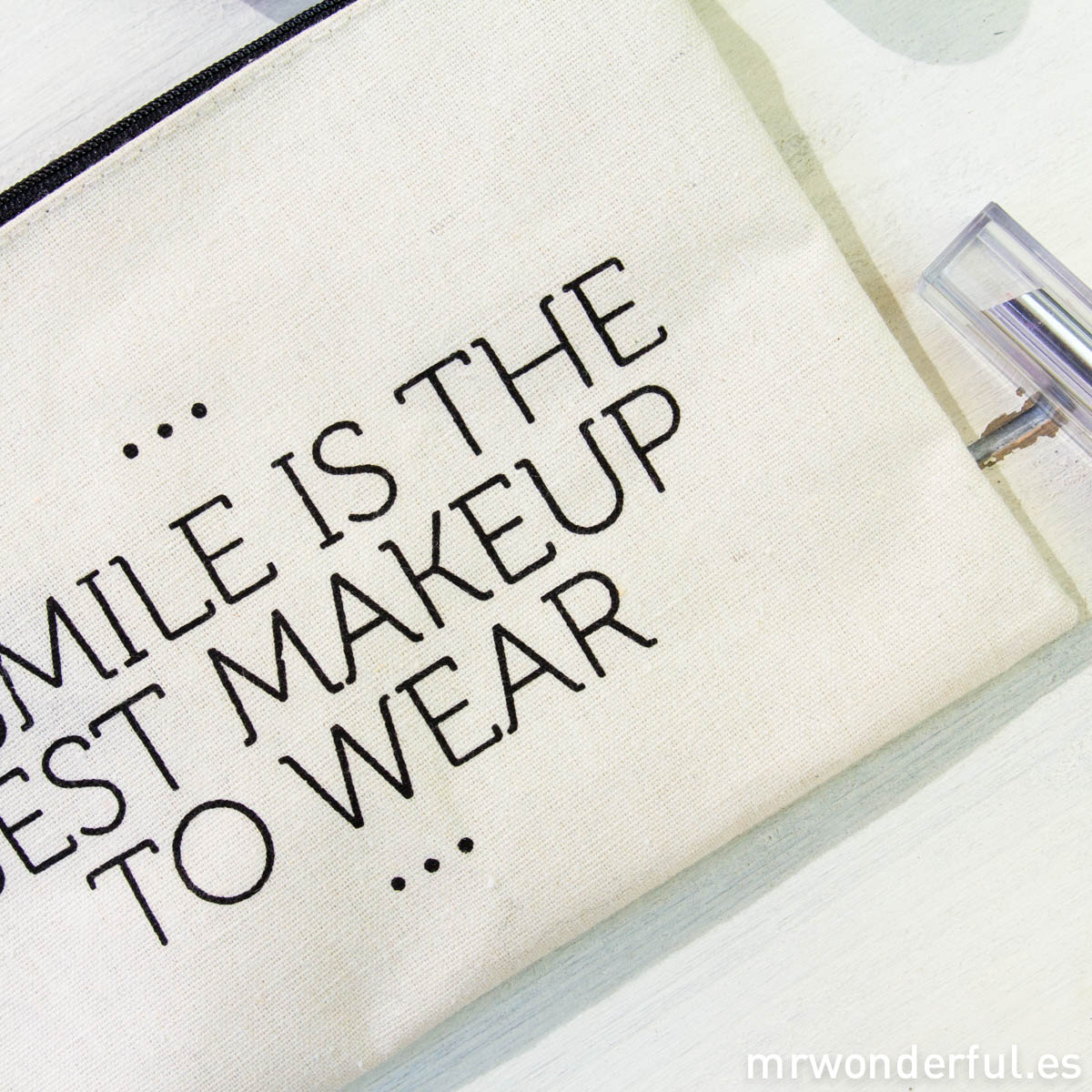 mrwonderful_LS0230_4_Neceser-tela-cremallera_smile-best-makeup-wear-3