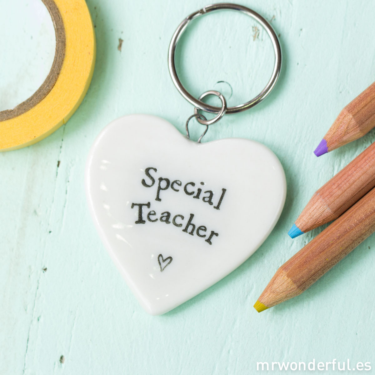 mrwonderful_170_llavero-corazon-porcelana_ special-teacher-1-2