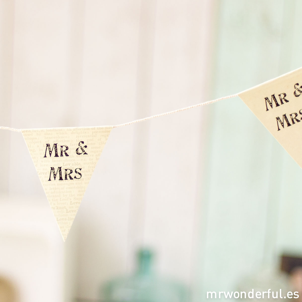 mrwonderful_620_banderines-paper_mr-mrs-9-2