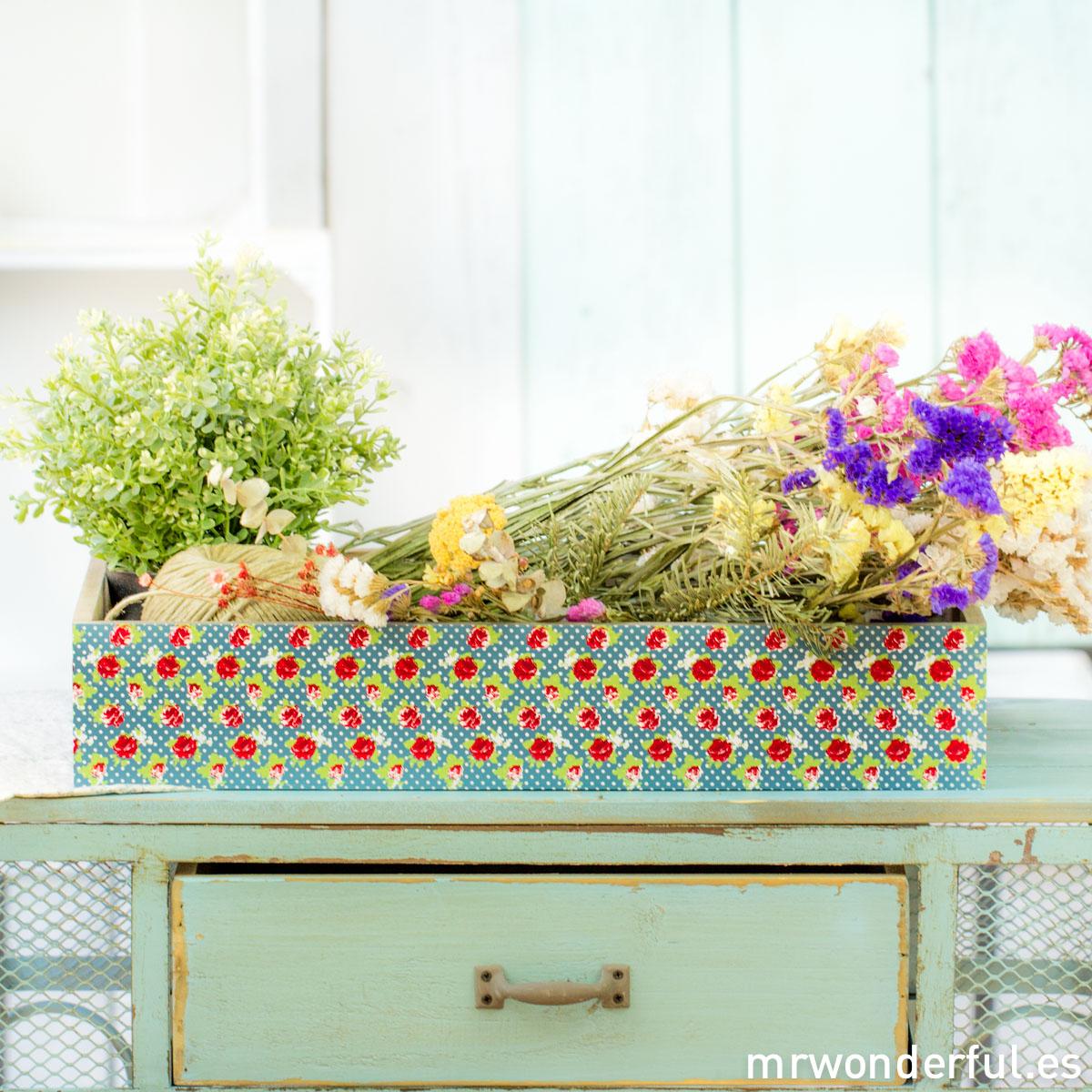 mrwonderful_62908-A_bandeja-madera-estampado-floral-73