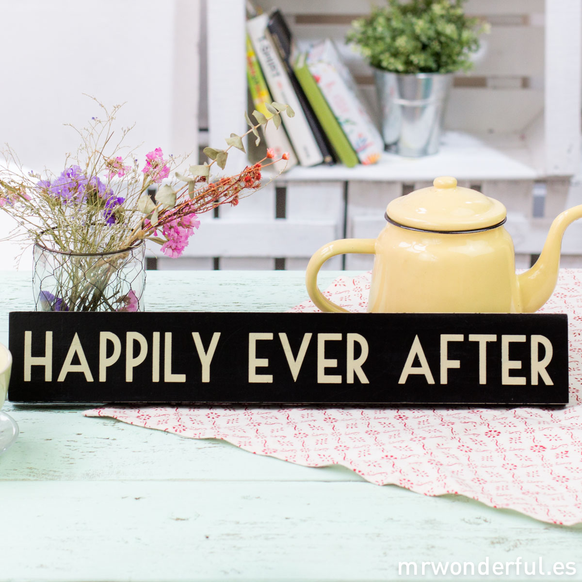 mrwonderful_856_letrero-madera_happily-ever-1-2