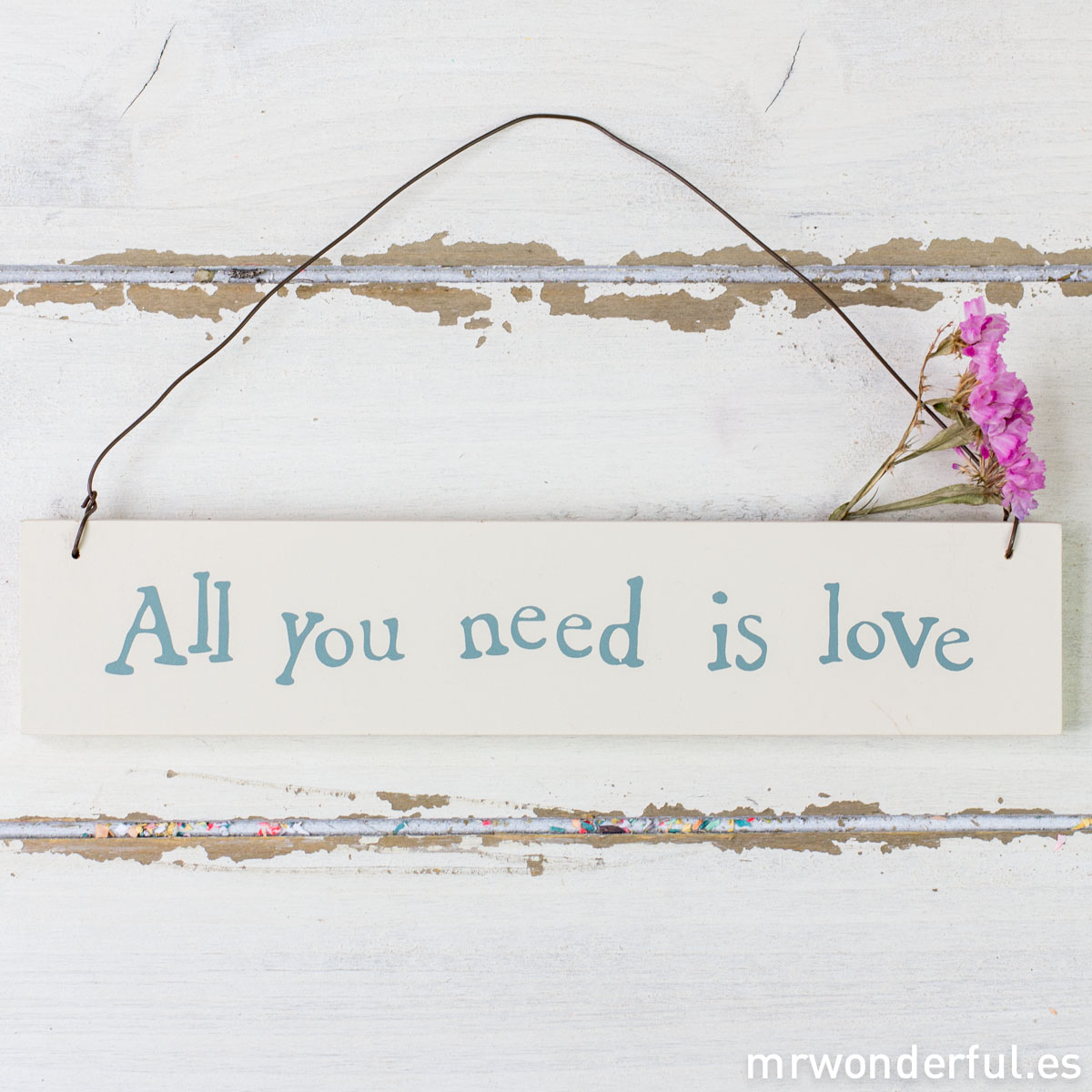 mrwonderful_867_cartel-madera-lavada_all-you-need-love-15-2