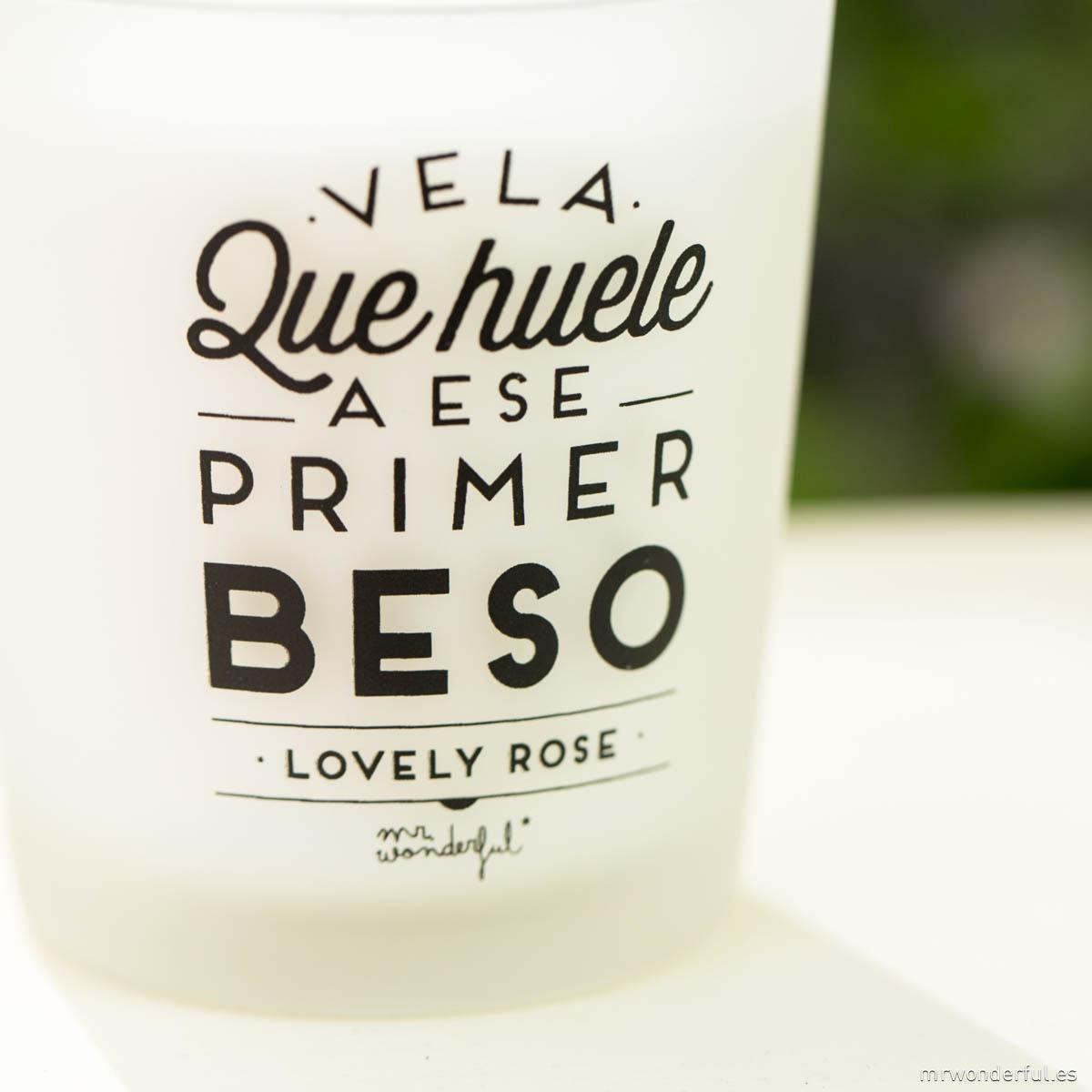 mrwonderful_VELA-01_vela-que-huele-a-ese-primer-beso-LOVELY-ROSE-19