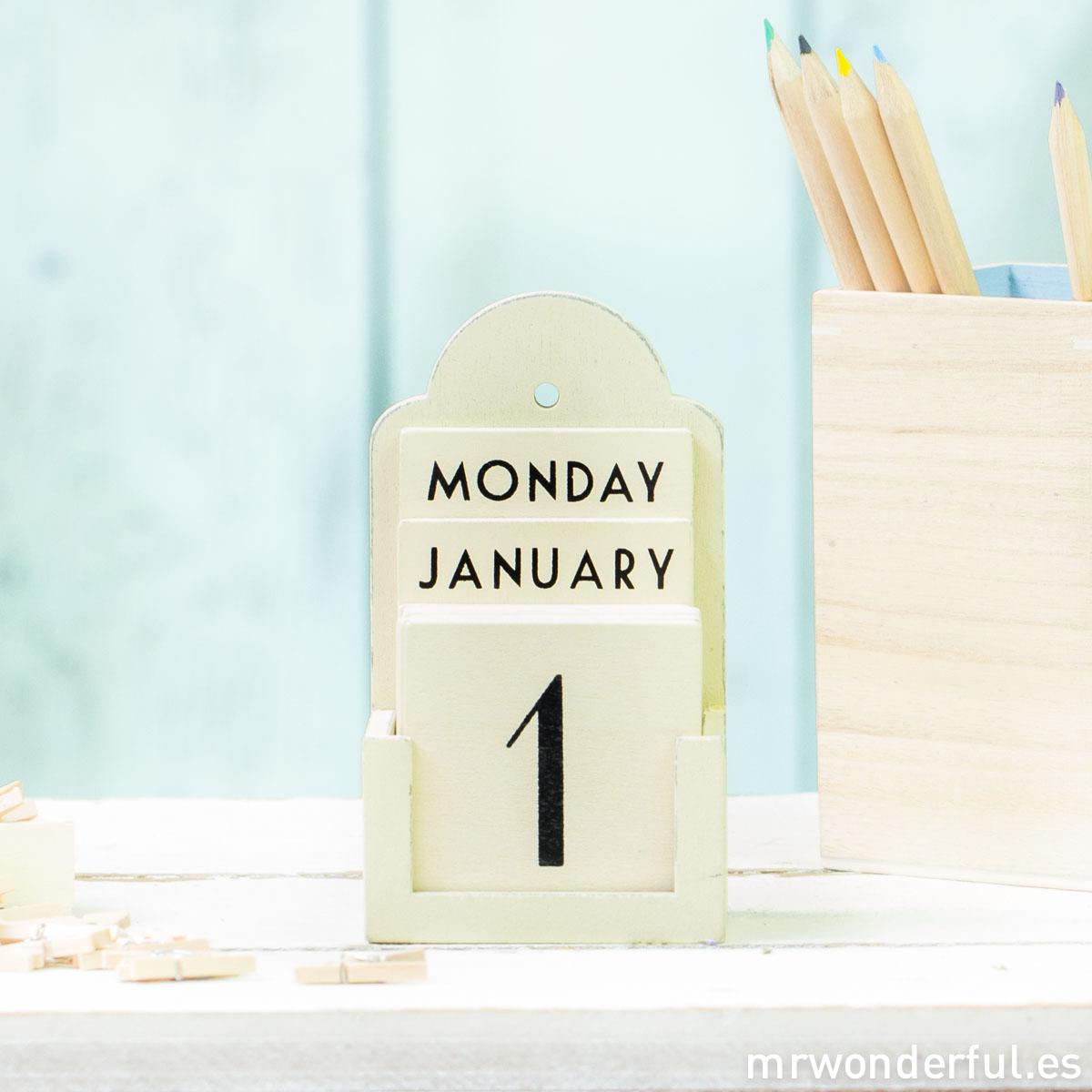 mrwonderful_1205_calendario-perpetuo-madera_beige-retro-1