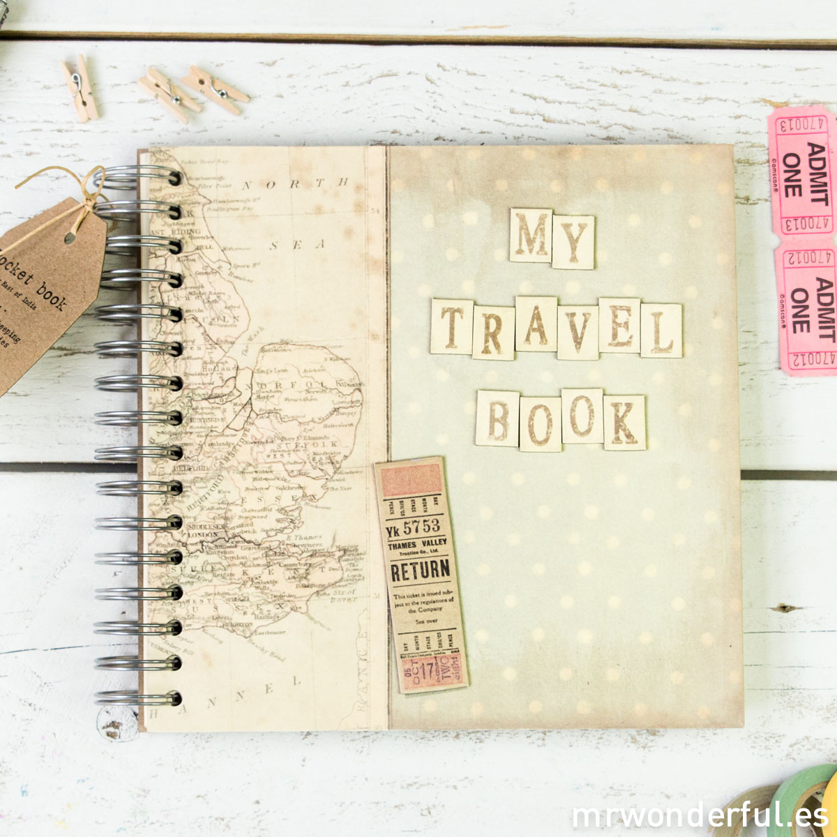mrwonderful_1756_Album-scrapbook_travel-book-10