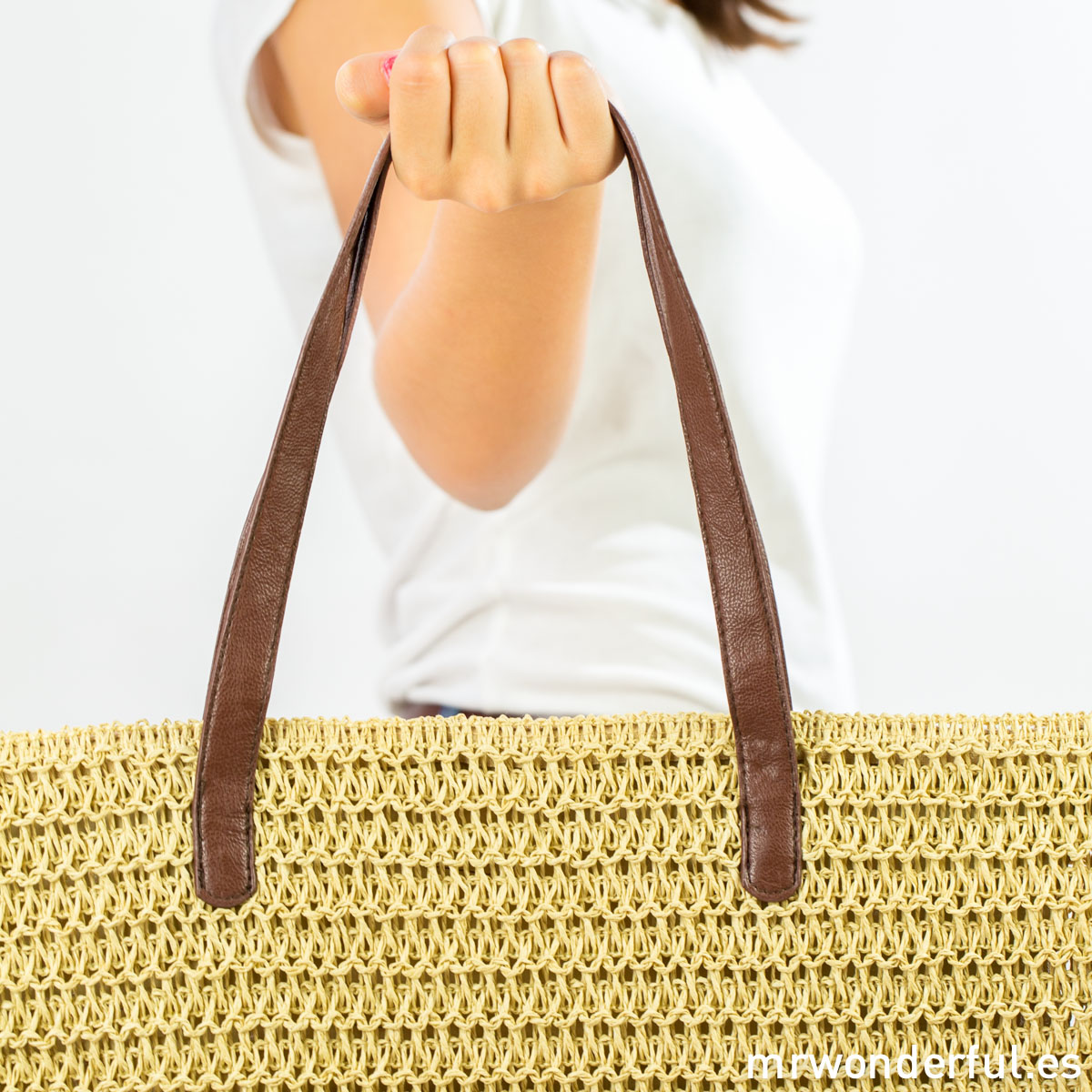 mrwonderful_4422-72_Bolso-grande-rafia-trenzada_Color-natural-11