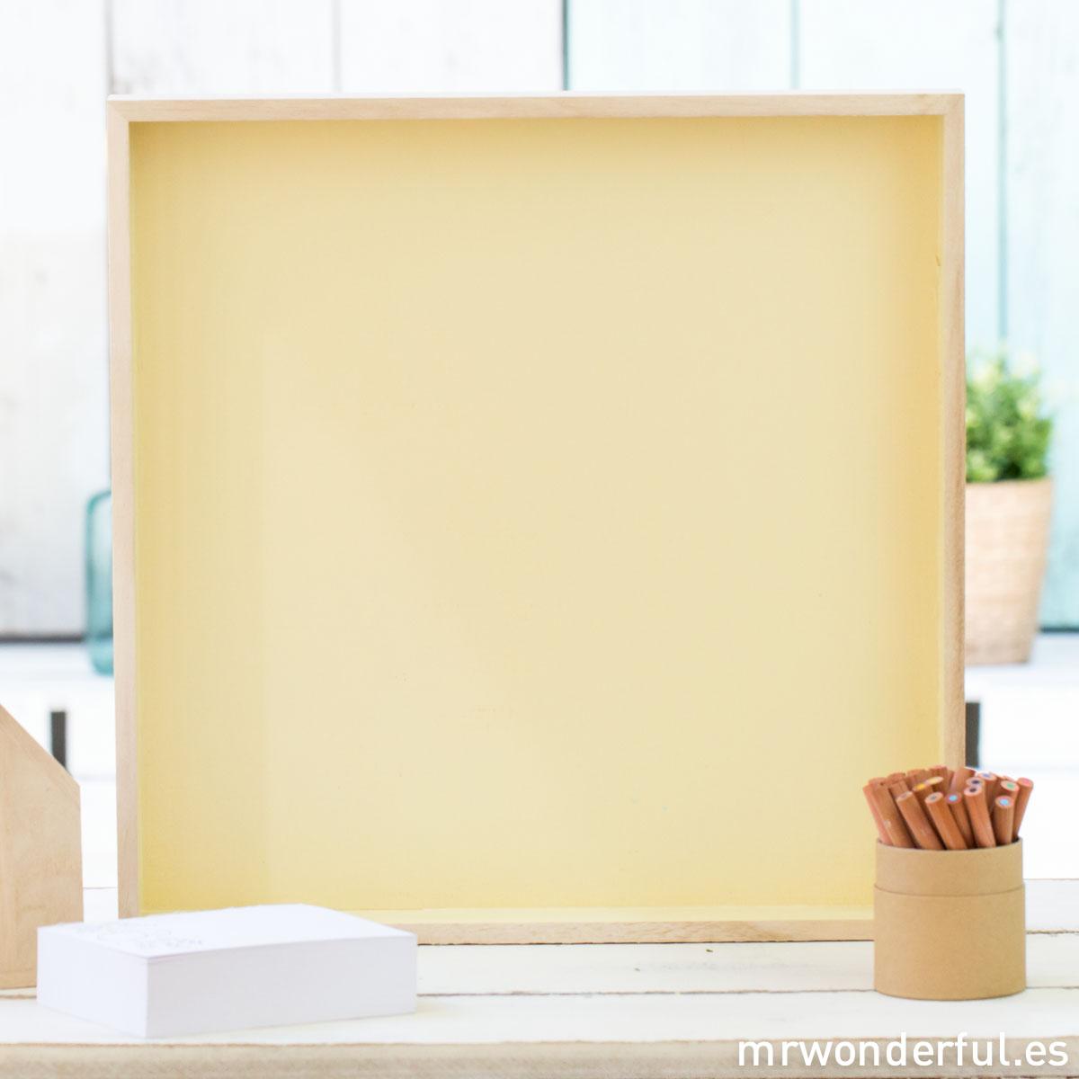 mrwonderful_50200079_bandeja-cuadrada-madera_base-amarillo-1