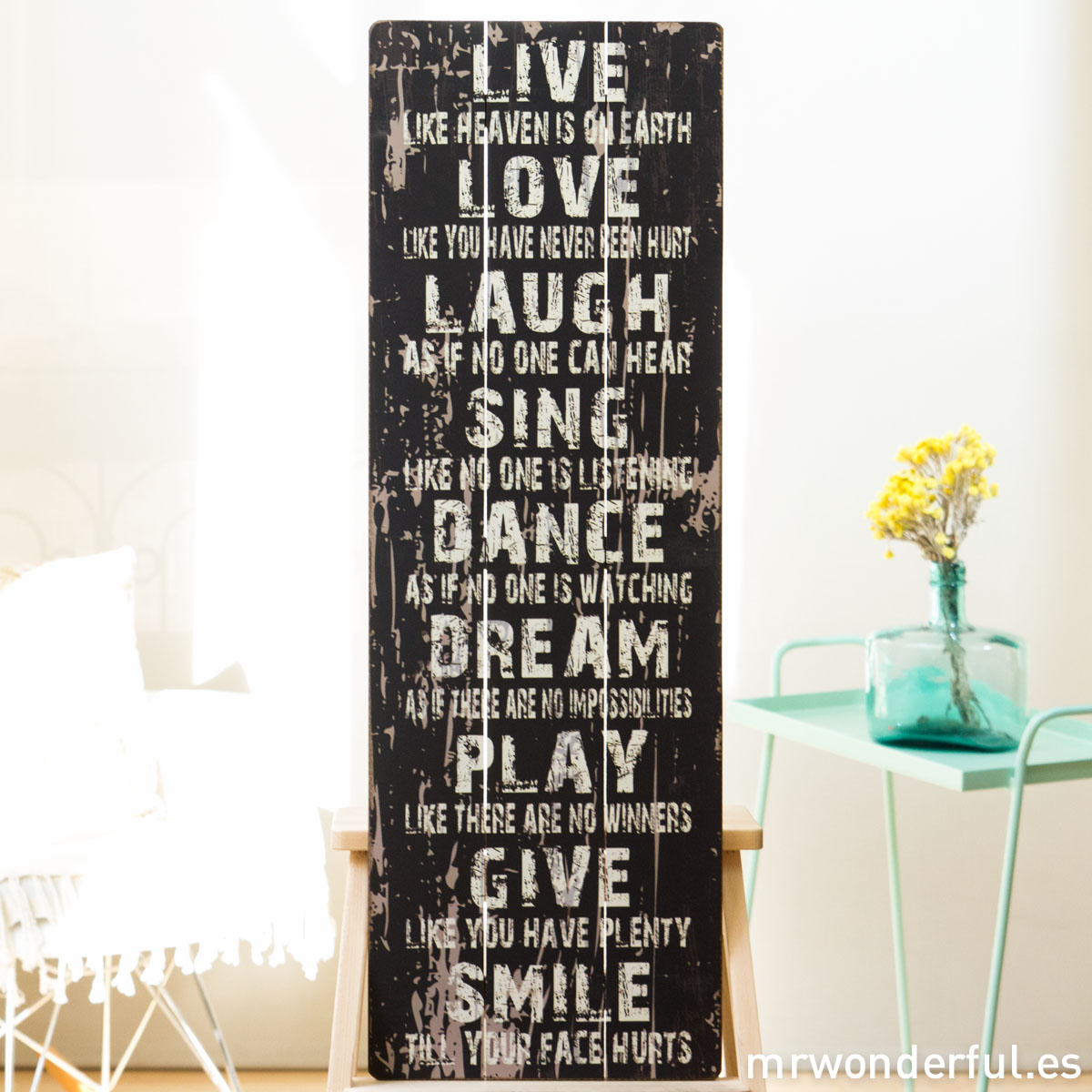 mrwonderful_GI6006_2_letrero-madera-mediano_live-like-heaven-on-earth-2