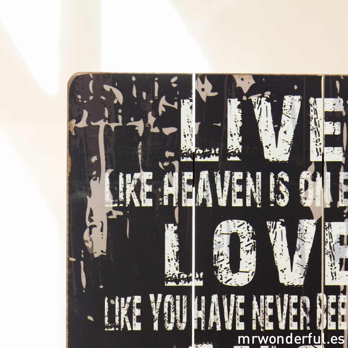 mrwonderful_GI6006_2_letrero-madera-mediano_live-like-heaven-on-earth-3