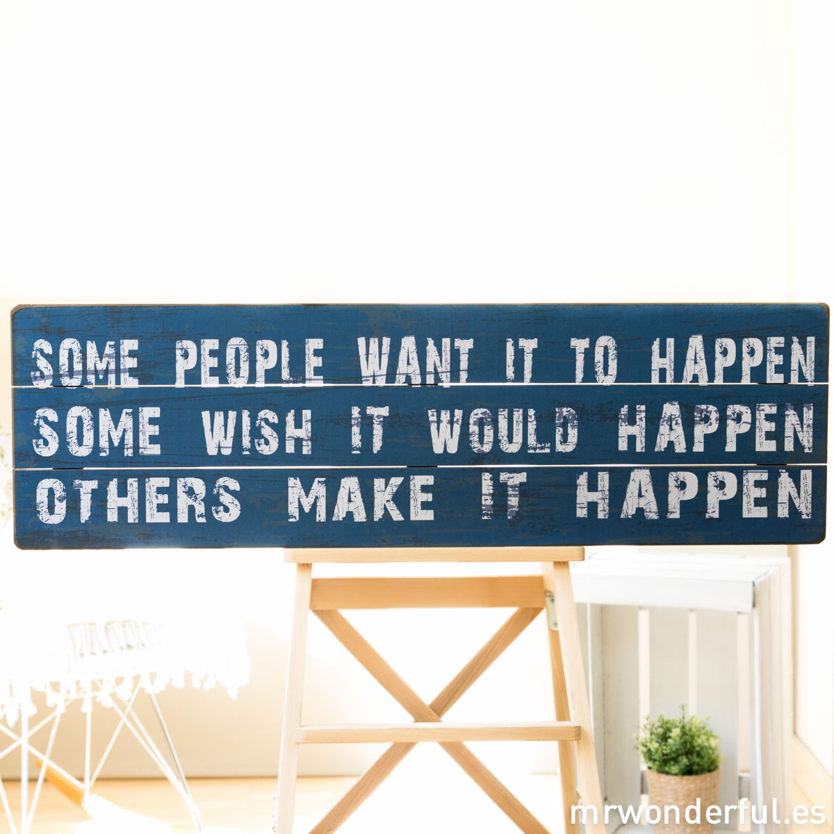 mrwonderful_GI6008_1_letrero-madera-grande_make-it-happen-1