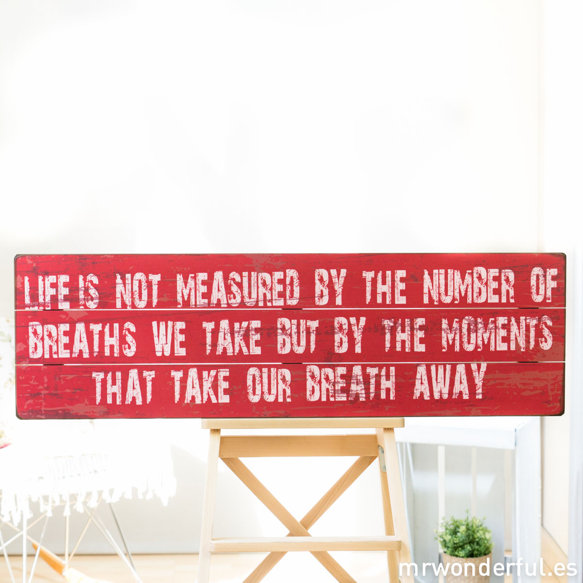 mrwonderful_GI6008_2_letrero-madera-grande_breath-away-2