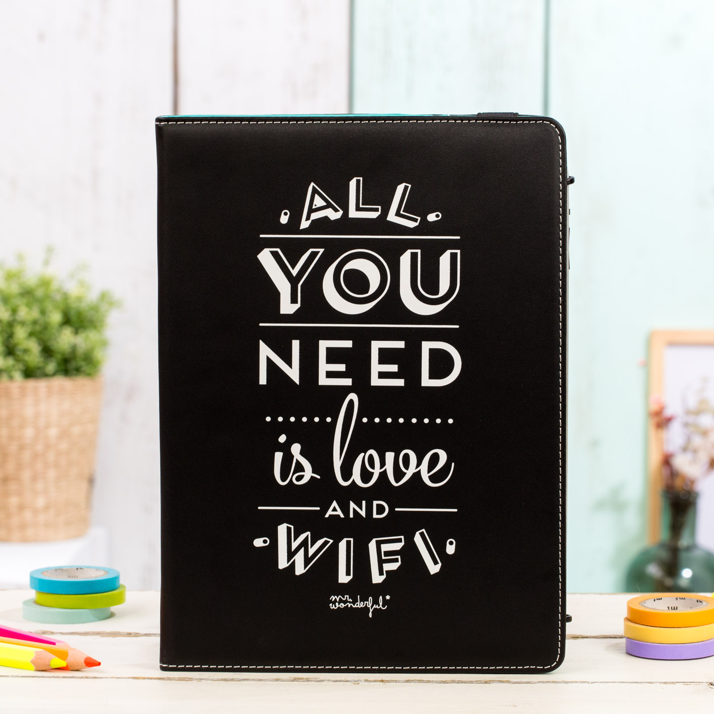 mrwonderful_MRUNI003_funda-negra-tablet-9,7-10,1_all-you-need-love-9