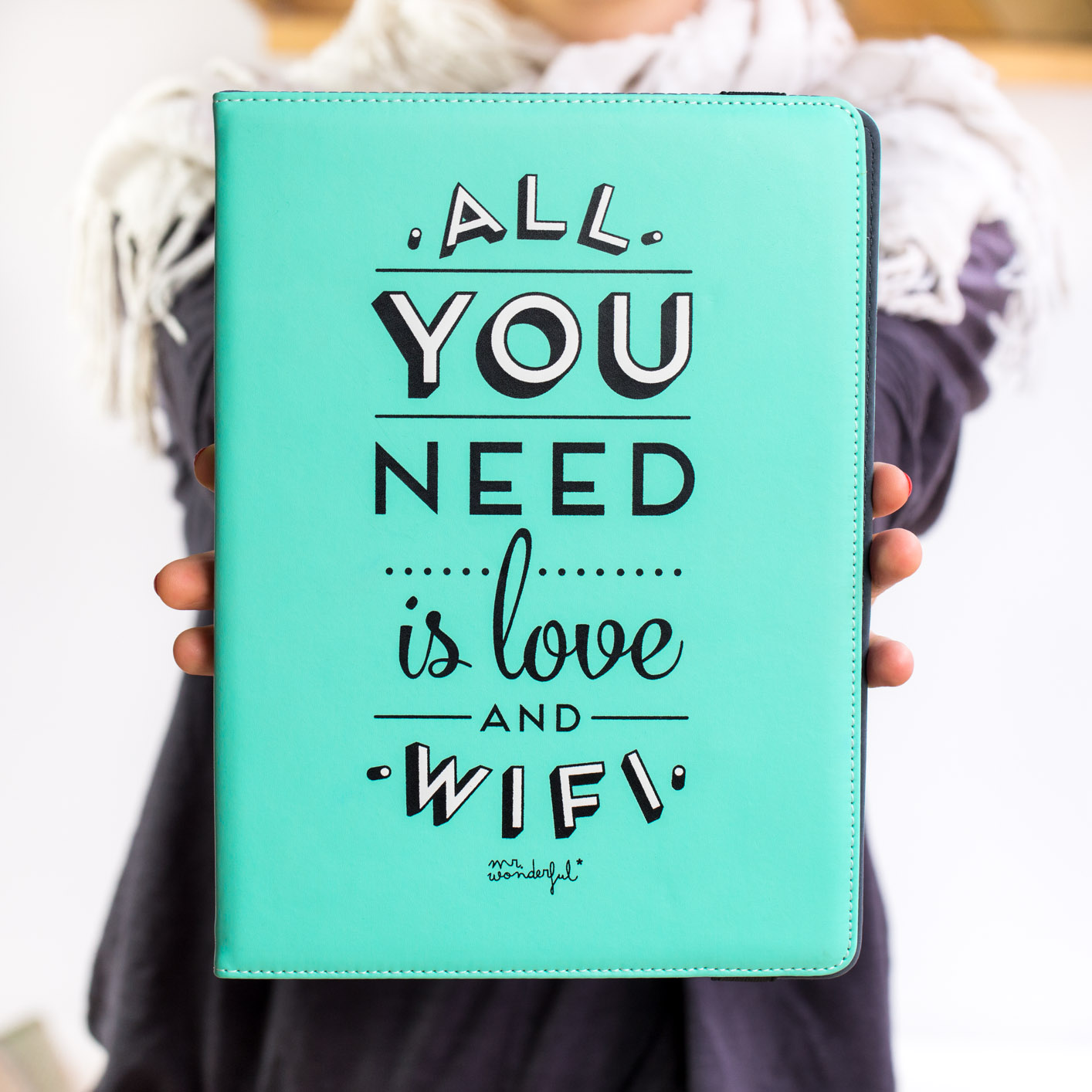 mrwonderful_MRUNI005_funda-verde-tablet-9,7-10,1_all-you-need-love-66