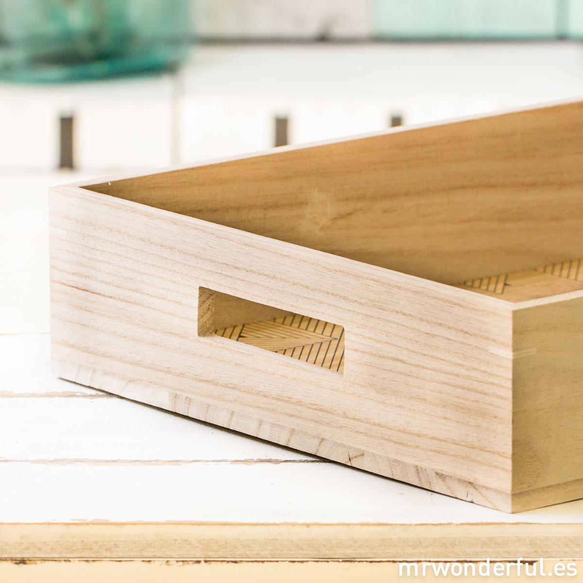 mrwonderful_SU0242_2_bandeja-grande-madera_base-estampado-geometrico-6