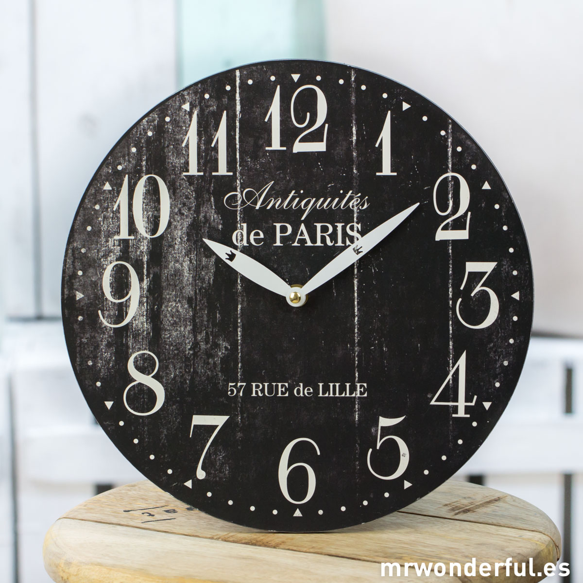 Mrwonderful_CL1097_1_Reloj-pared-efecto-madera-desgastada-negro-1