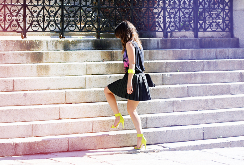 1345515944neon-shoes-yellow-street-style-look-fluor-collagevintage-13