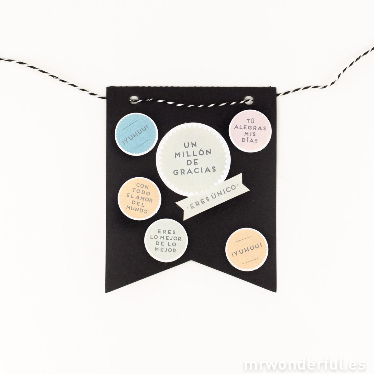 mrwonderful_366652_Banderines-corte-V-color-negro-1