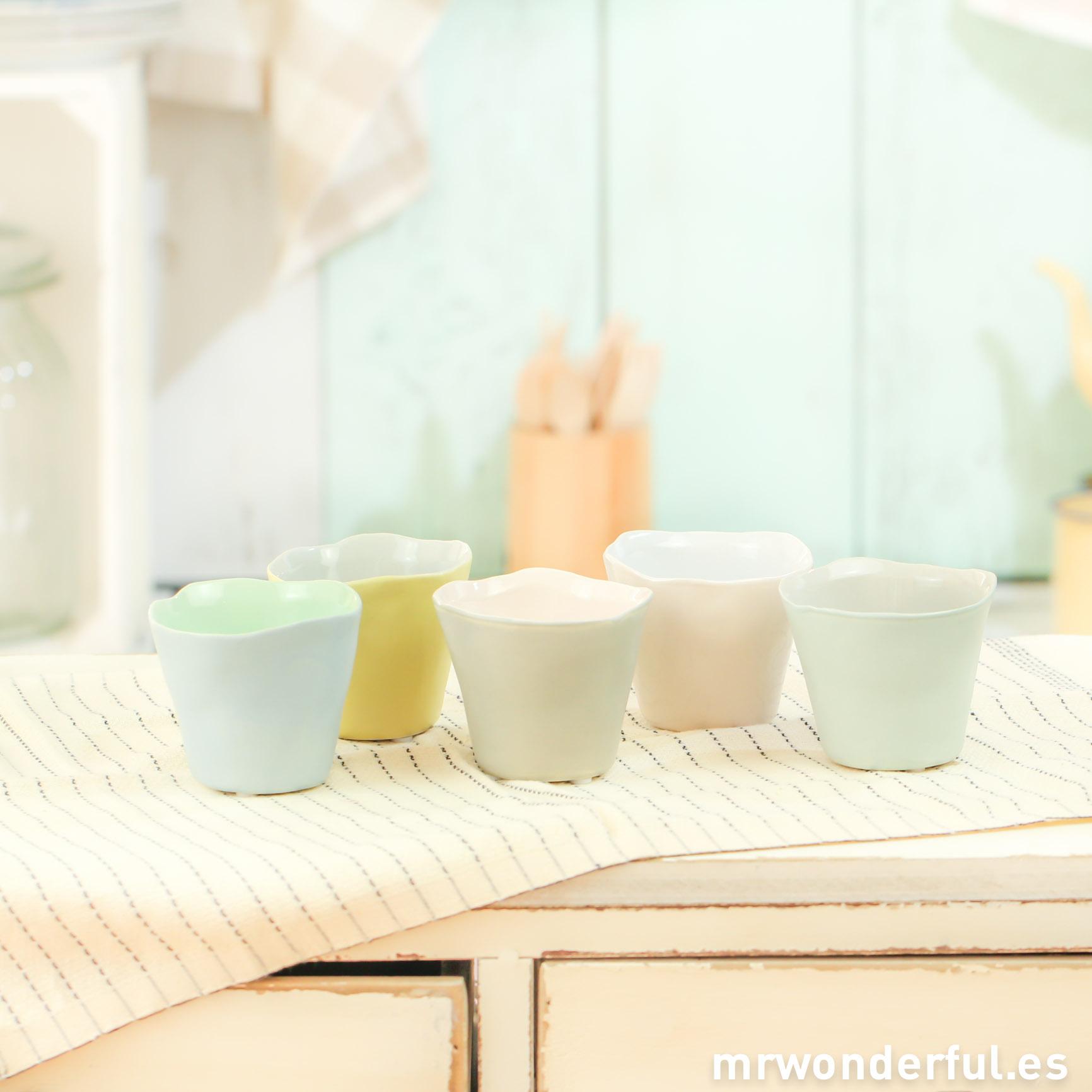 mrwonderful_75100005_surtido-5-vasos-ceramica-pastel-3