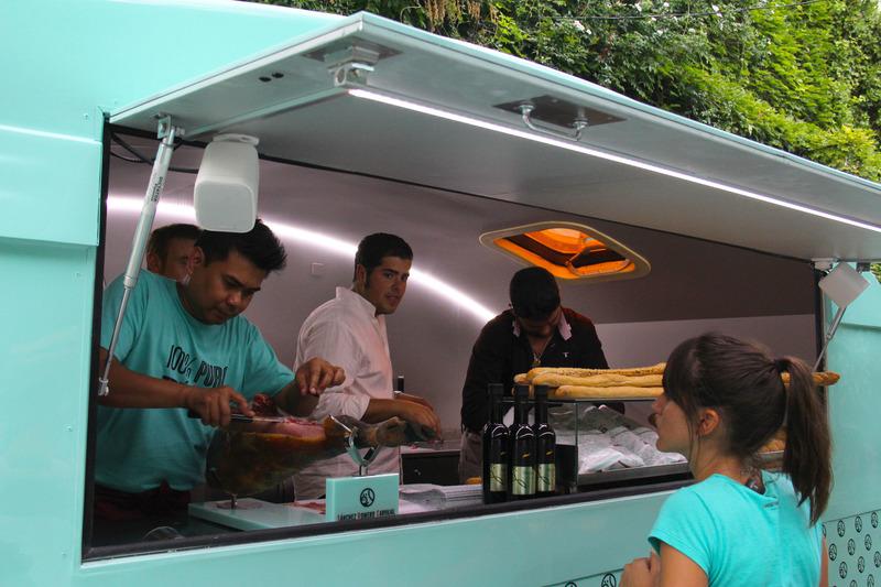 mrwonderful_foodtruck_comida_sobre_ruedas_41