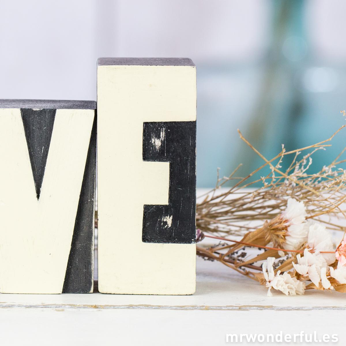 mrwonderful_3600-3620_letras-madera-love-43