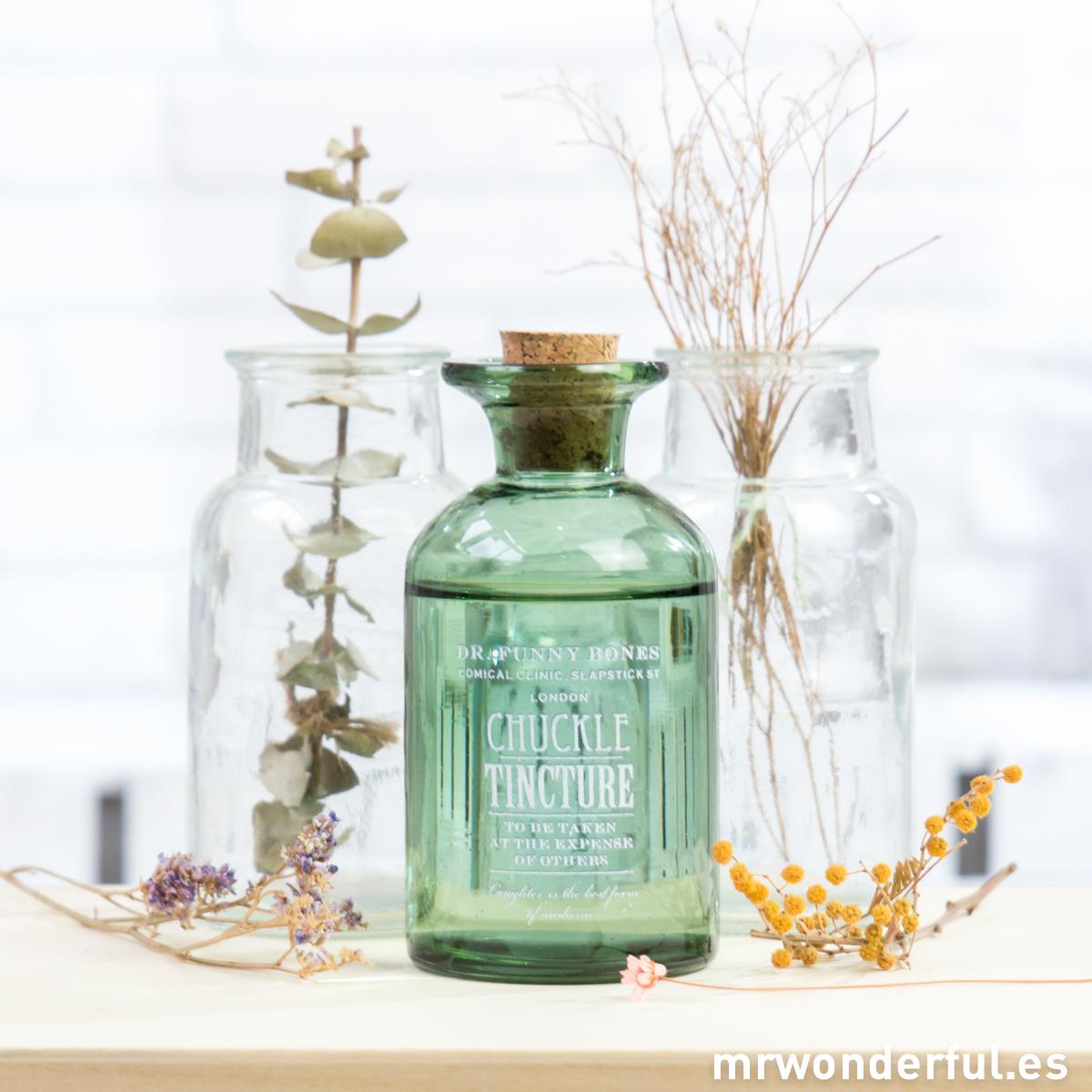 mrwonderful_690457_botella-cristal-verde-tapon-pequeña-2