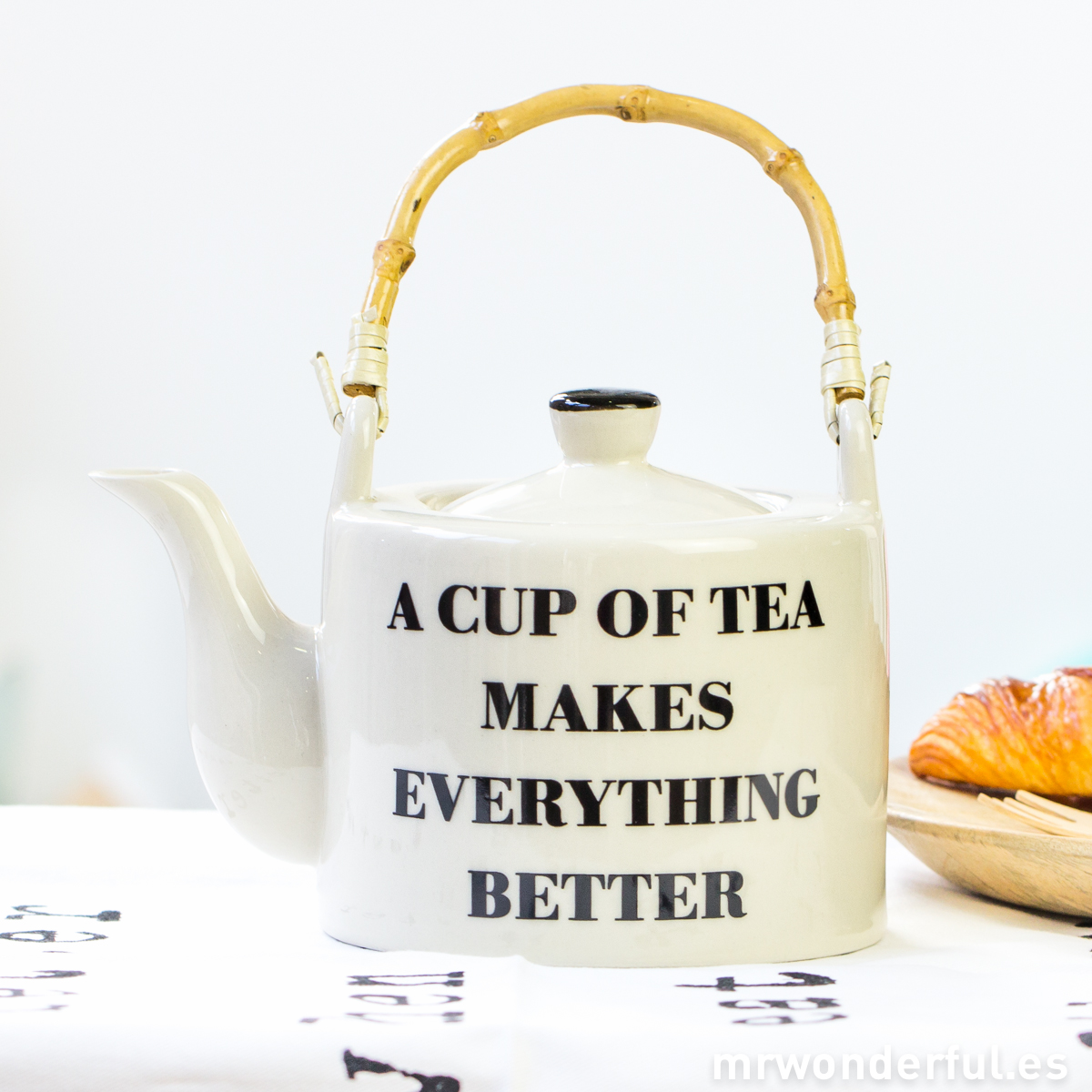 mrwonderful_21100251_tetera-ceramica-a-cup-of-tea-2
