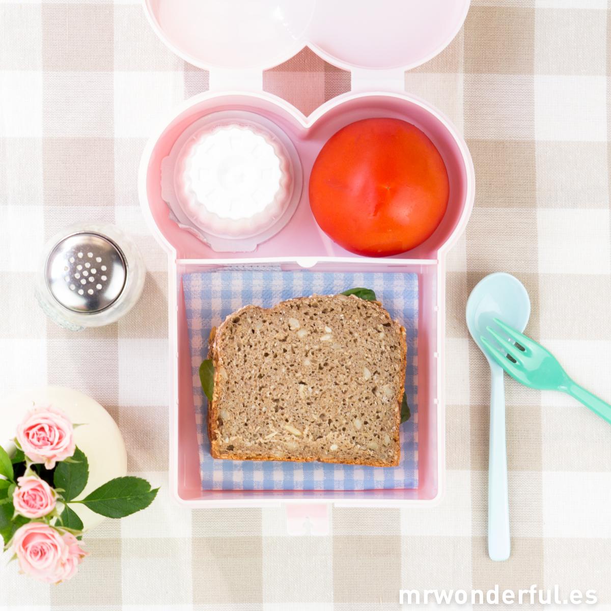 mrwonderful_NL017LP_fiambrera-rosa-sanwich-forma-tostada-5