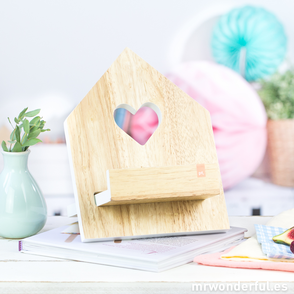 mrwonderful_PT2260WH_atril-madera-libros-recetas-11