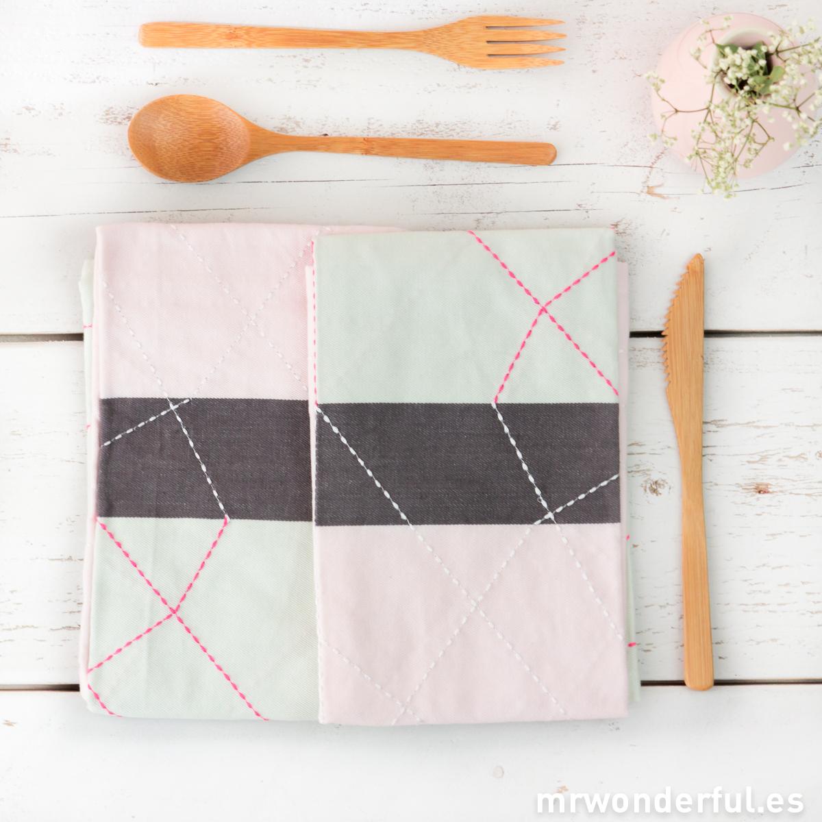 mrwonderful_PT2264_set-2-trapos-cocina-rosa-mint-2