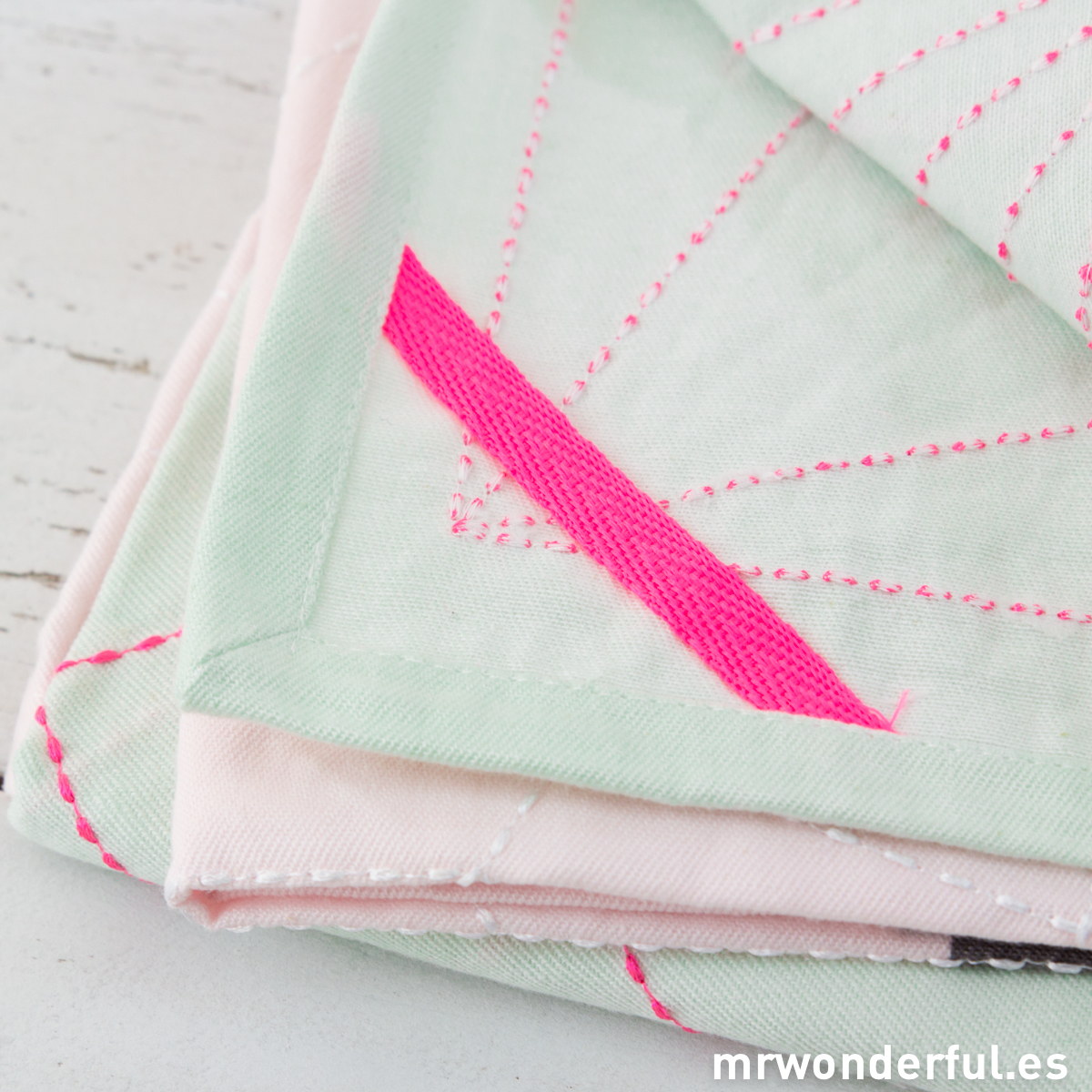 mrwonderful_PT2264_set-2-trapos-cocina-rosa-mint-8