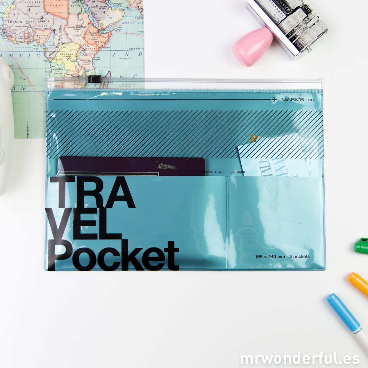 mrwonderful_TVK-VC1-MBL_portadocumentos-viaje-azul-4