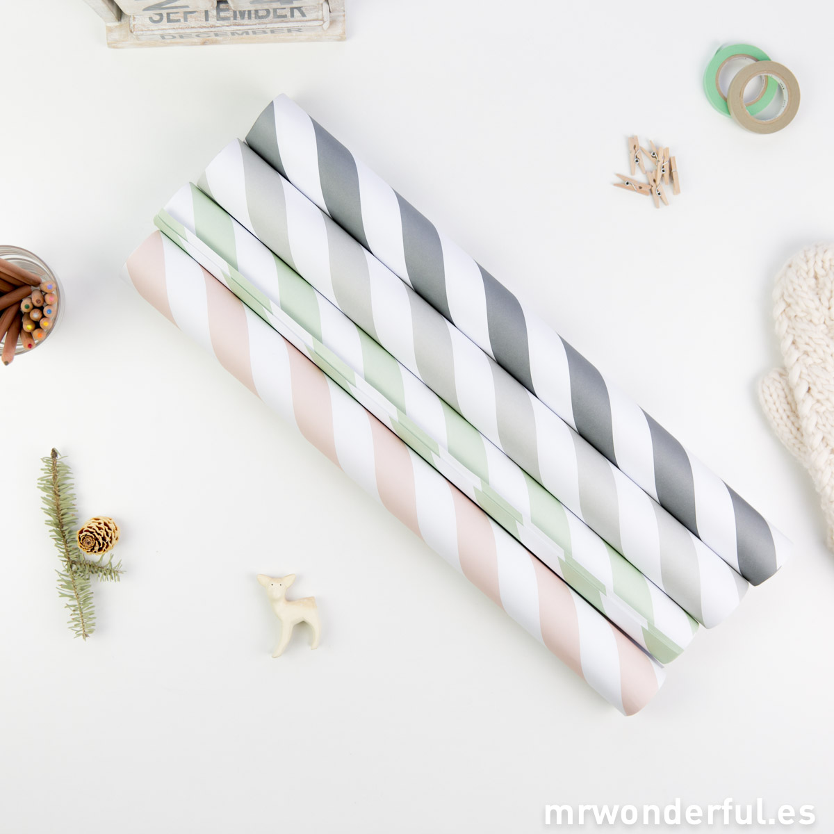 mrwonderful_17100002_set-4-rollos-papel-regalo-rayas-tonos-pastel-1
