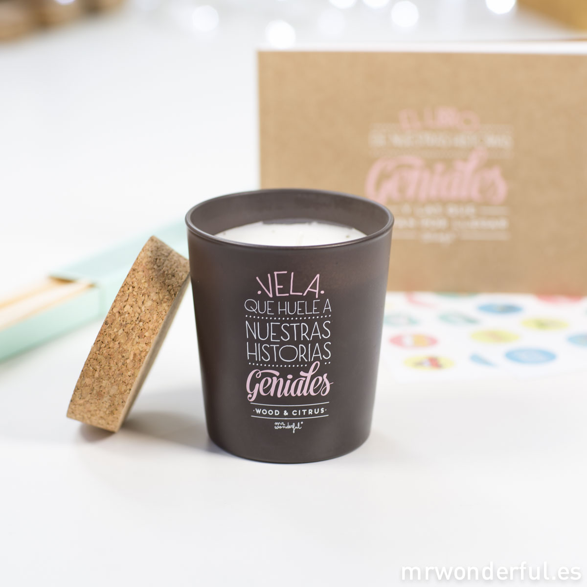 Mr.Wonderful Kit de nuestras historias geniales: vela y libro adhesivos
