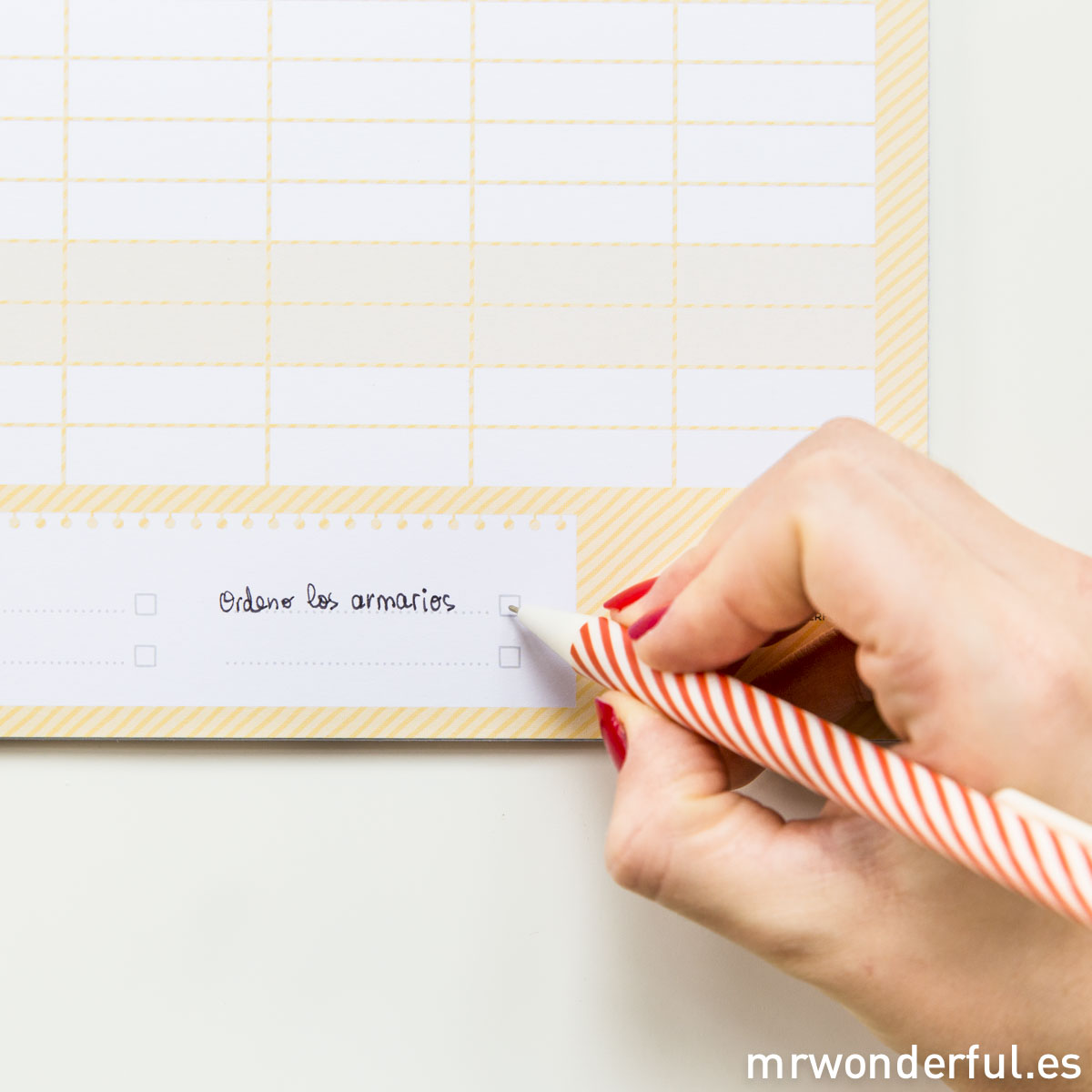 mrwonderful_CAL-WONDER-13_Calendario-2015_familiar_sobrevivir-al-lio-69