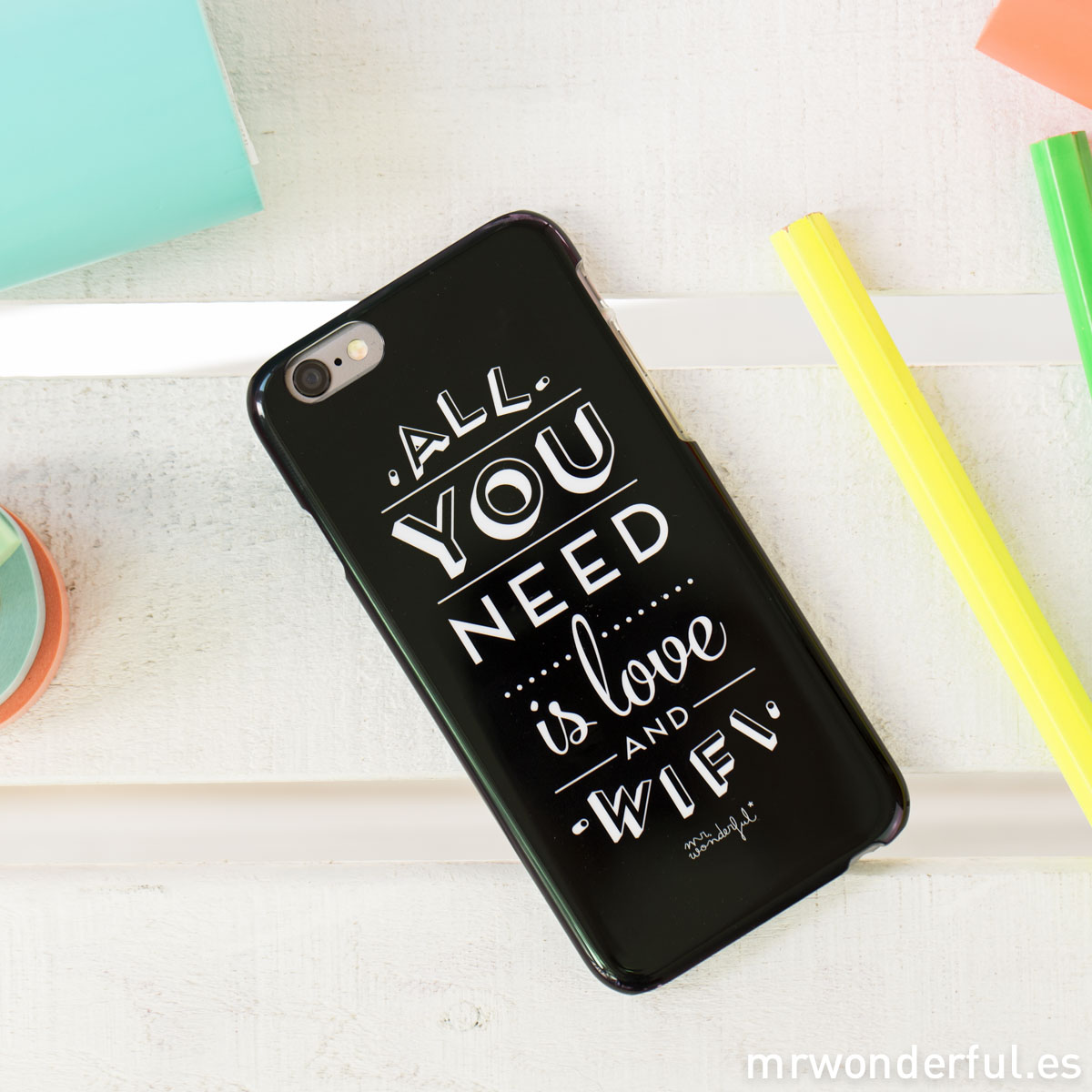 Mr.Wonderful: Carcasa iphone 6 All you need is love and wifi