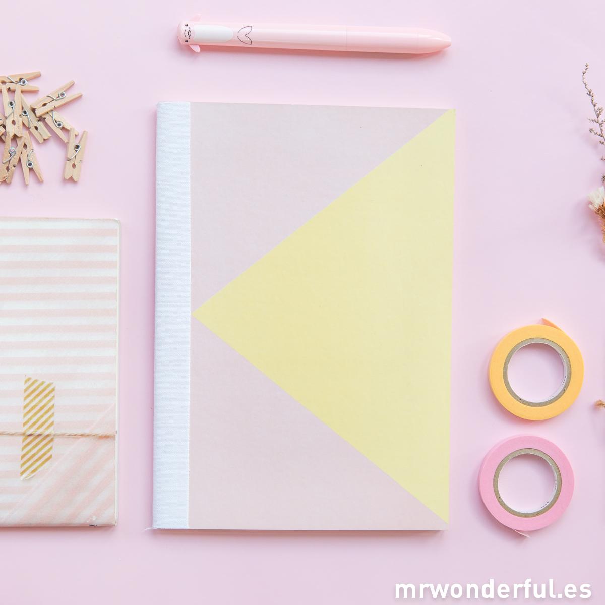 mrwonderful_SK0991_3_Libreta-mediana-rosa-amarillo-2