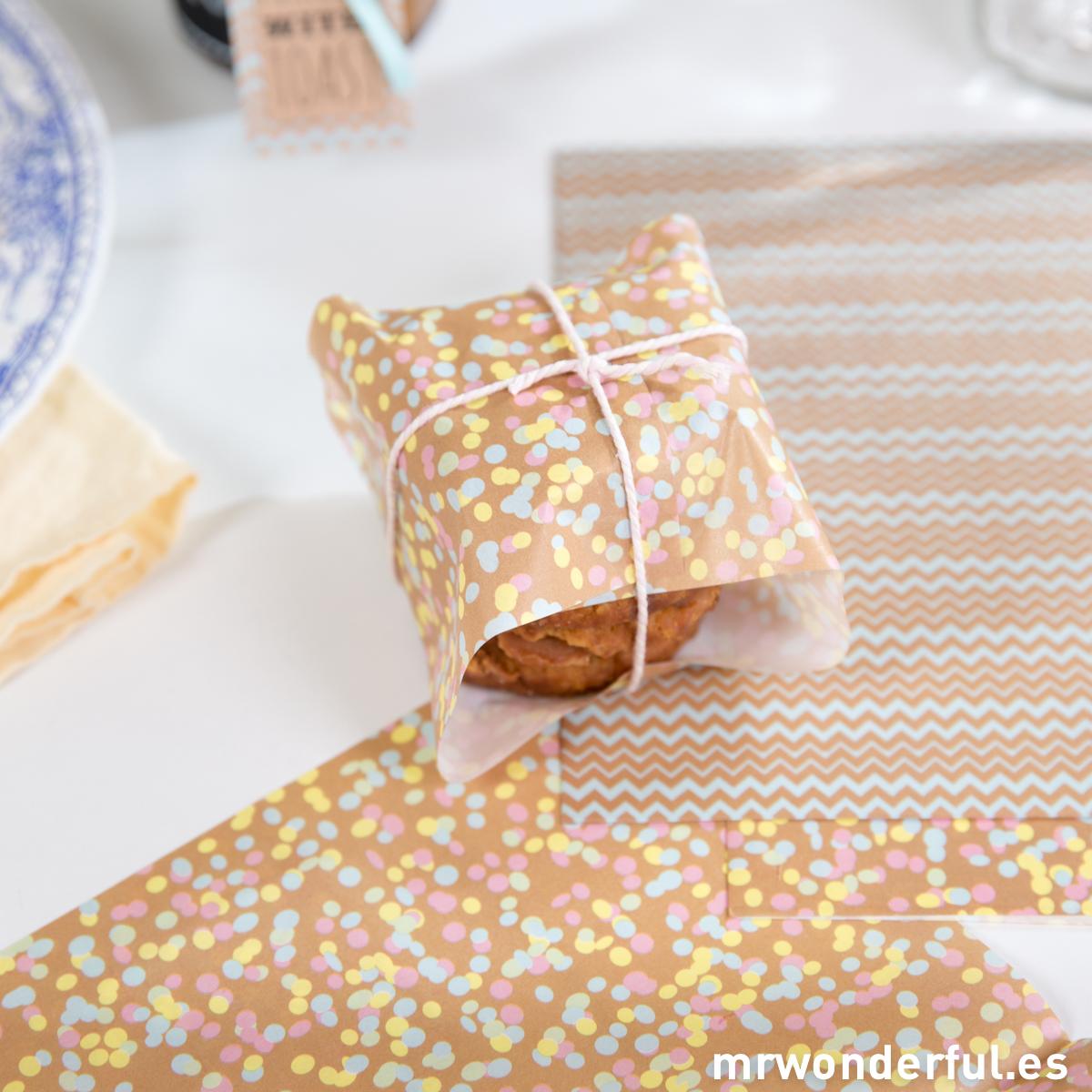 mrwonderful_BAKE-PPAPER_set-papeles-satinados-envolver-galletas-3
