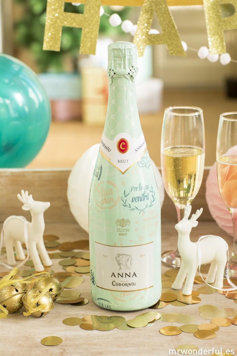¡Brindemos por todo lo bonito! Y más con esta botella que hemos hecho para Anna de Codorníu