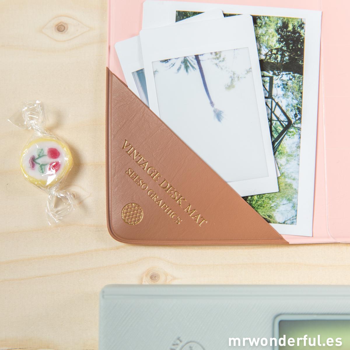 mrwonderful_SS-1770_Tapete-escritorio_rosa-19