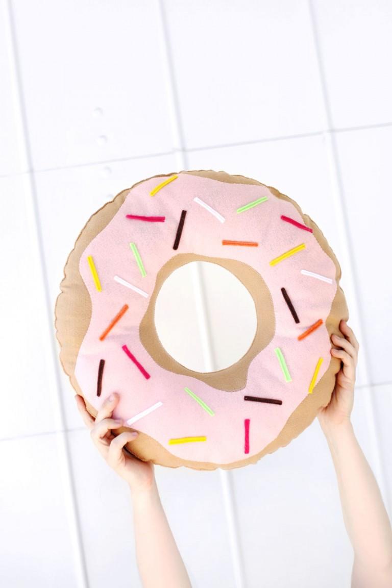 El cojín más dulce del mundo tiene forma de donut