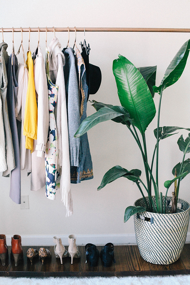 diy-garment-rack-in-honor-of-design1